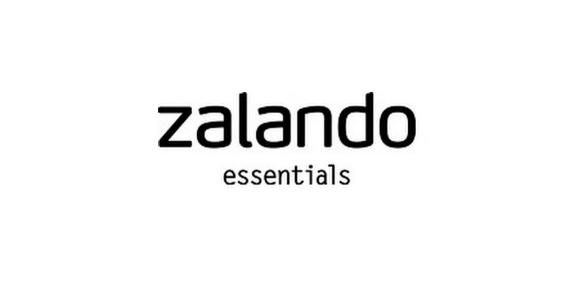 a1427b770f8 Zalando Essentials to stosunkowo młoda marka stworzona przez twórców  słynnego sklepu online Zalando.pl Nazwa Essentials idealnie odwzorowuje  charakter ...