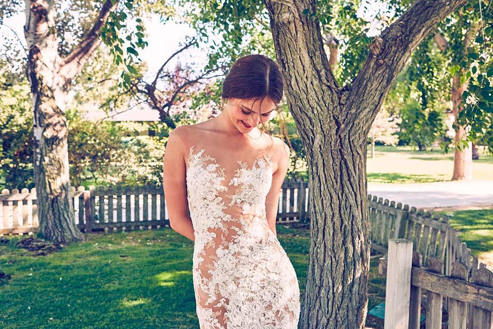 Suknia koronkowa (fot. Pronovias)