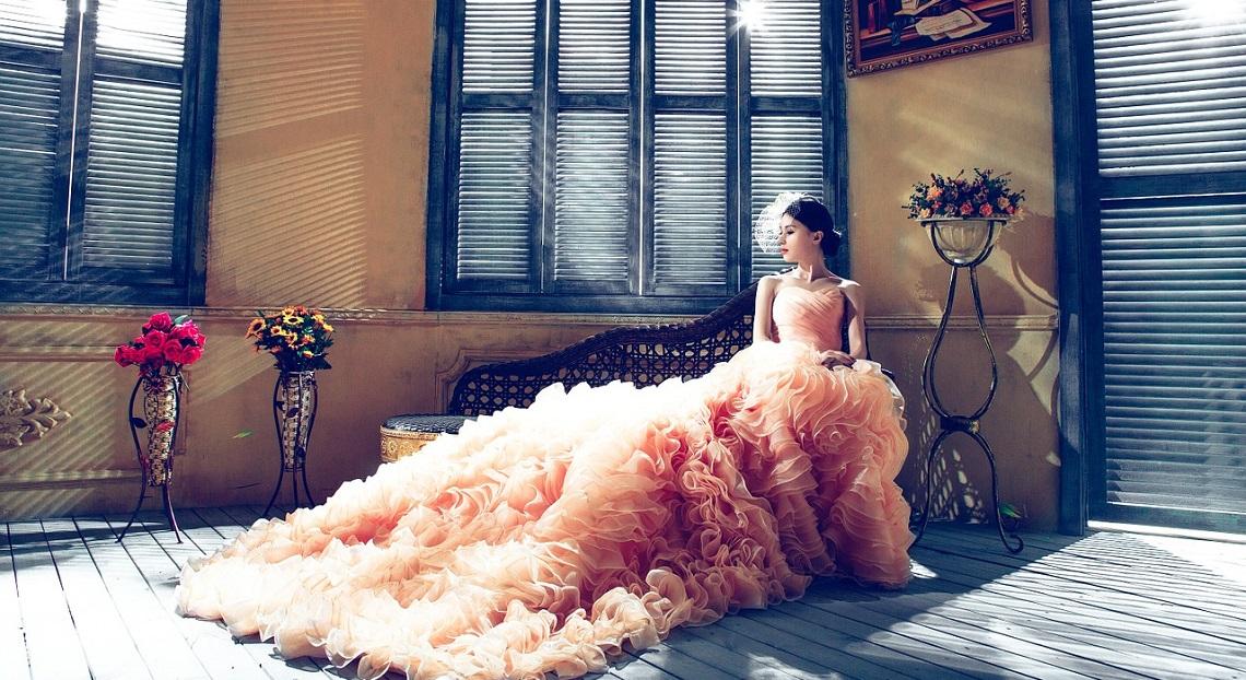 Suknia ślubna (fot. pixabay.com)