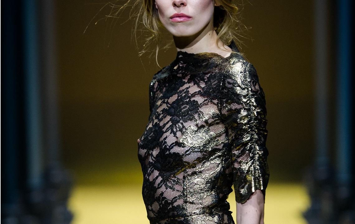 Sukienka z koronki z kolekcji Simple CP x Dorota Williams