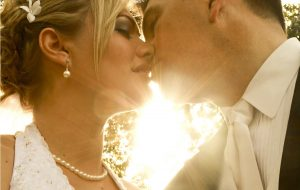 Sukienki na wesele XXL (fot. pexels.com)