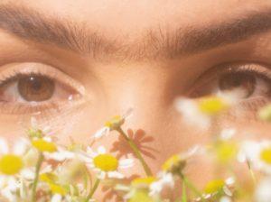 Soap brows: jak malować brwi zgodnie z tym trendem? (fot. unsplash)