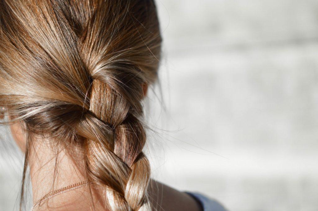 Co na wypadanie włosów (fot. pexels)
