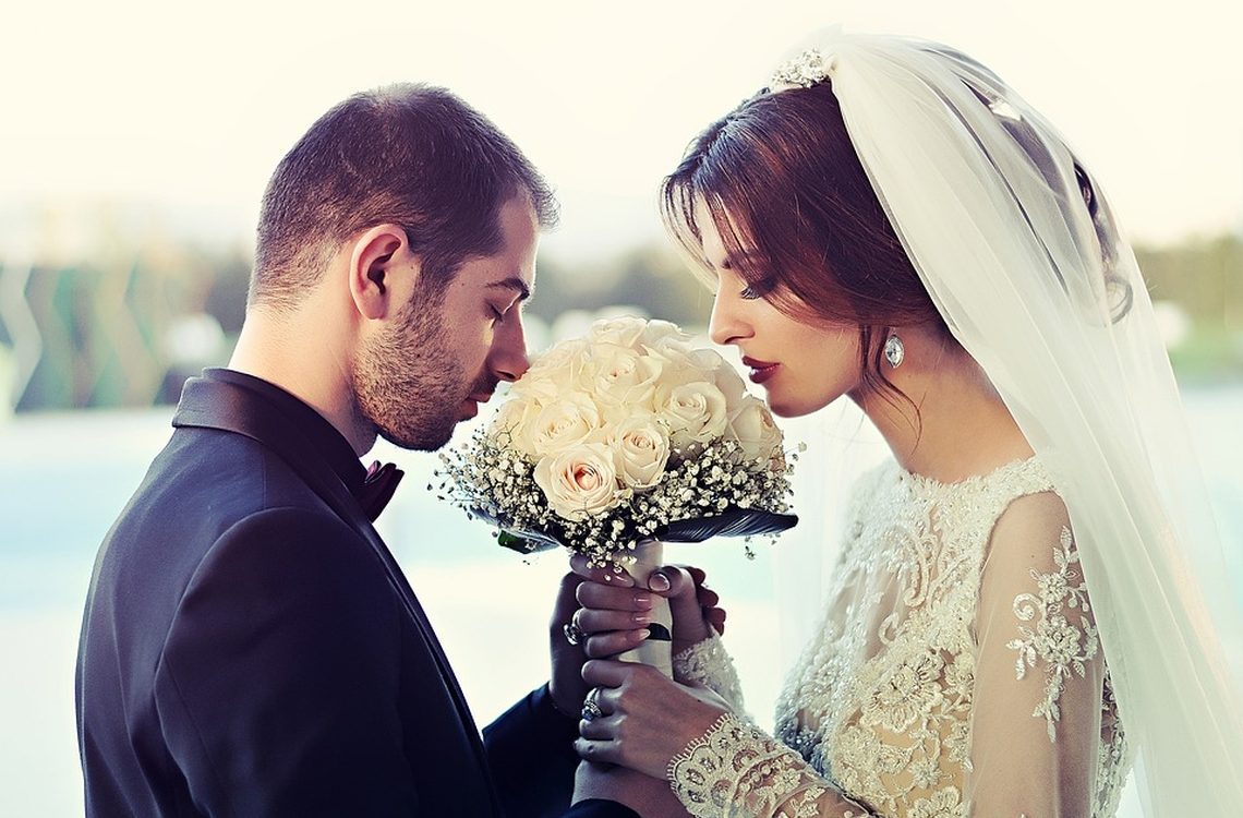 suknie ślubne z długim rękawem